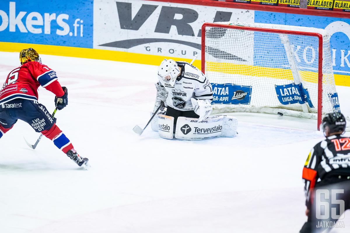 Anton Lundell oli jälleen tehokkaana.