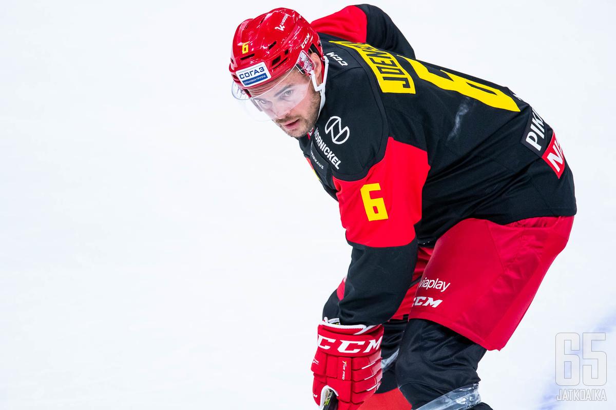 Vieraana  Jokerien Jesse Joensuu ja Antti Pihlström