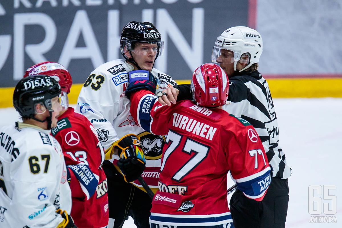 Teemu Turunen oli kaikessa mukana Helsingin torstai-illassa.