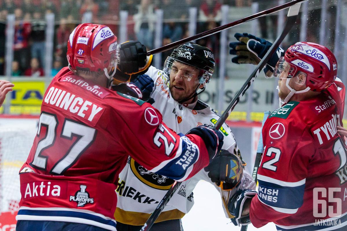 HIFK:n ja Kärppien taistelut jatkuvat vielä seitsemännessä ottelussa.
