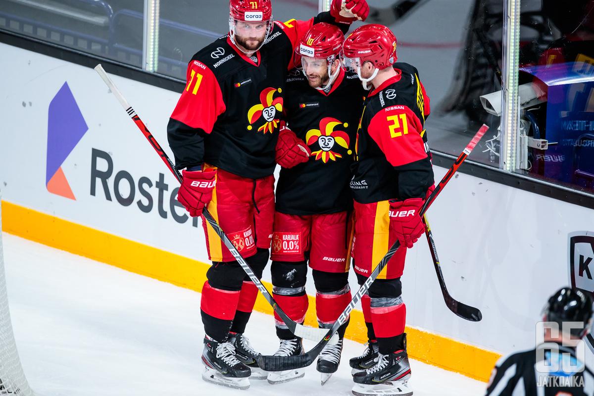 Helsinkiläisryhmä sai tuulettaa maaleja oikein urakalla keskiviikko-illan kamppailussa.