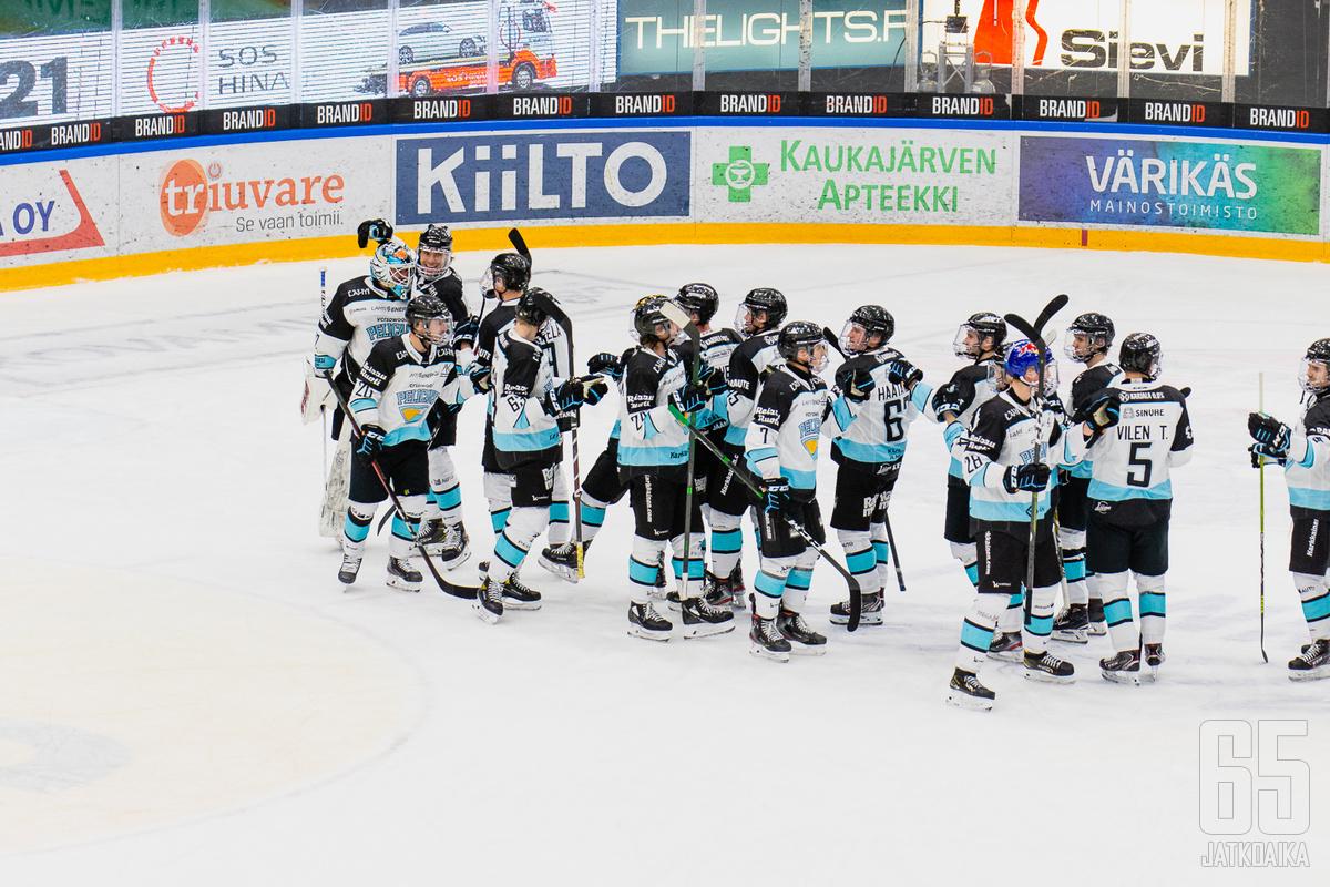 Pelicans juhli jatkoaikavoittoa Mikkelissä.