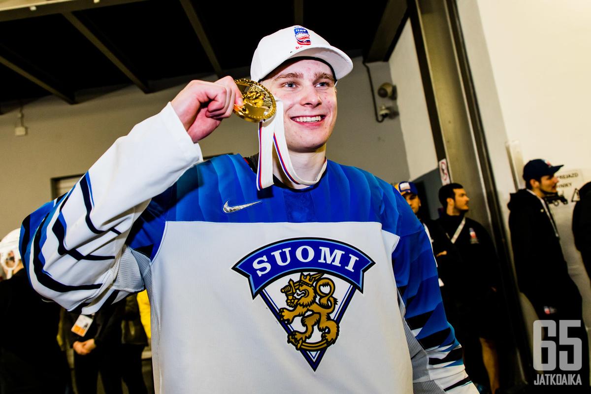 Kaapo Kakko sai maistaa kultaa MM-kisoissa, edessä on nyt uran käännekohta NHL-unelman suhteen.
