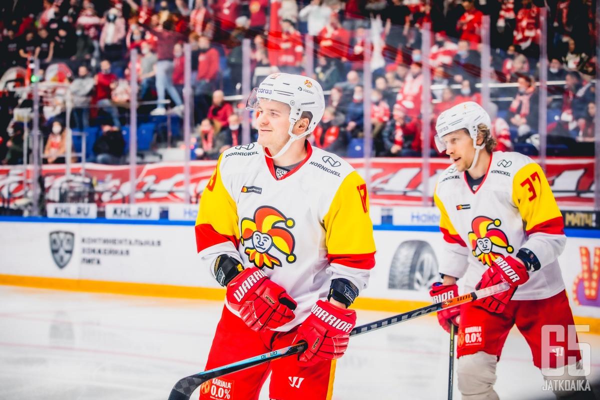 Julius Junttila sai vihdoin maalitilinsä avattua KHL:ssä.