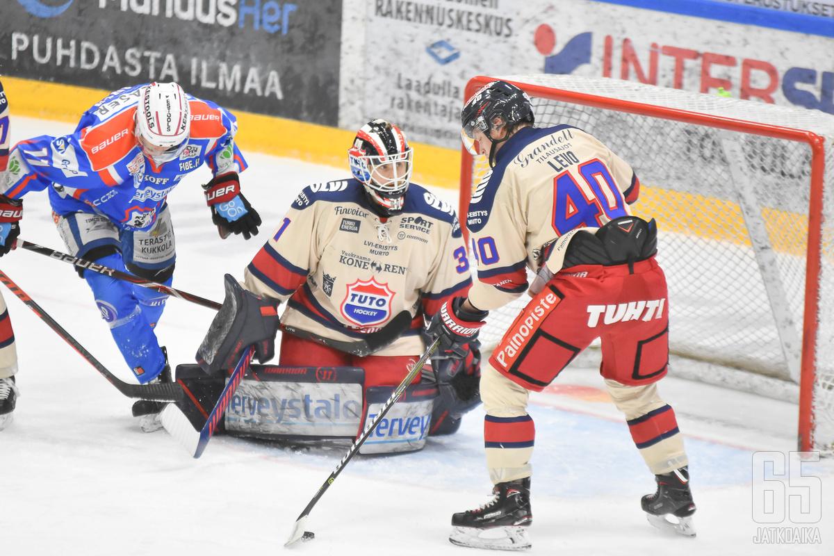 Julius Pohjanoksa oli ottelun ehdoton ykköstähti.