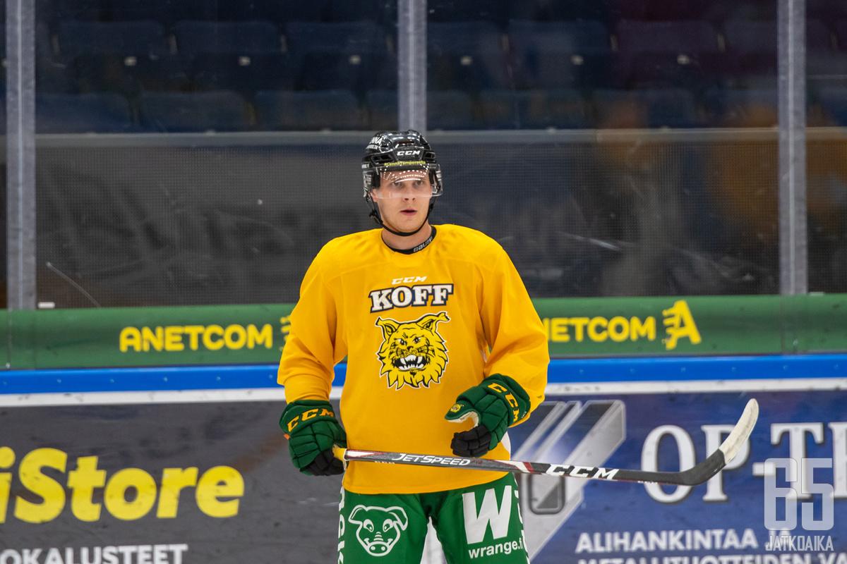 Intensiivinen harjoittelu pitää Ilveksen Arttu Ruotsalainen ajatukset kiinni arjessa NHL-kutsua odotellessa.