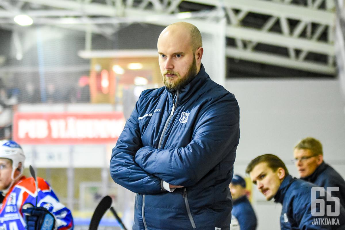 Eroselle SaPKo on kolmas valmentajapesti Mestiksessä.