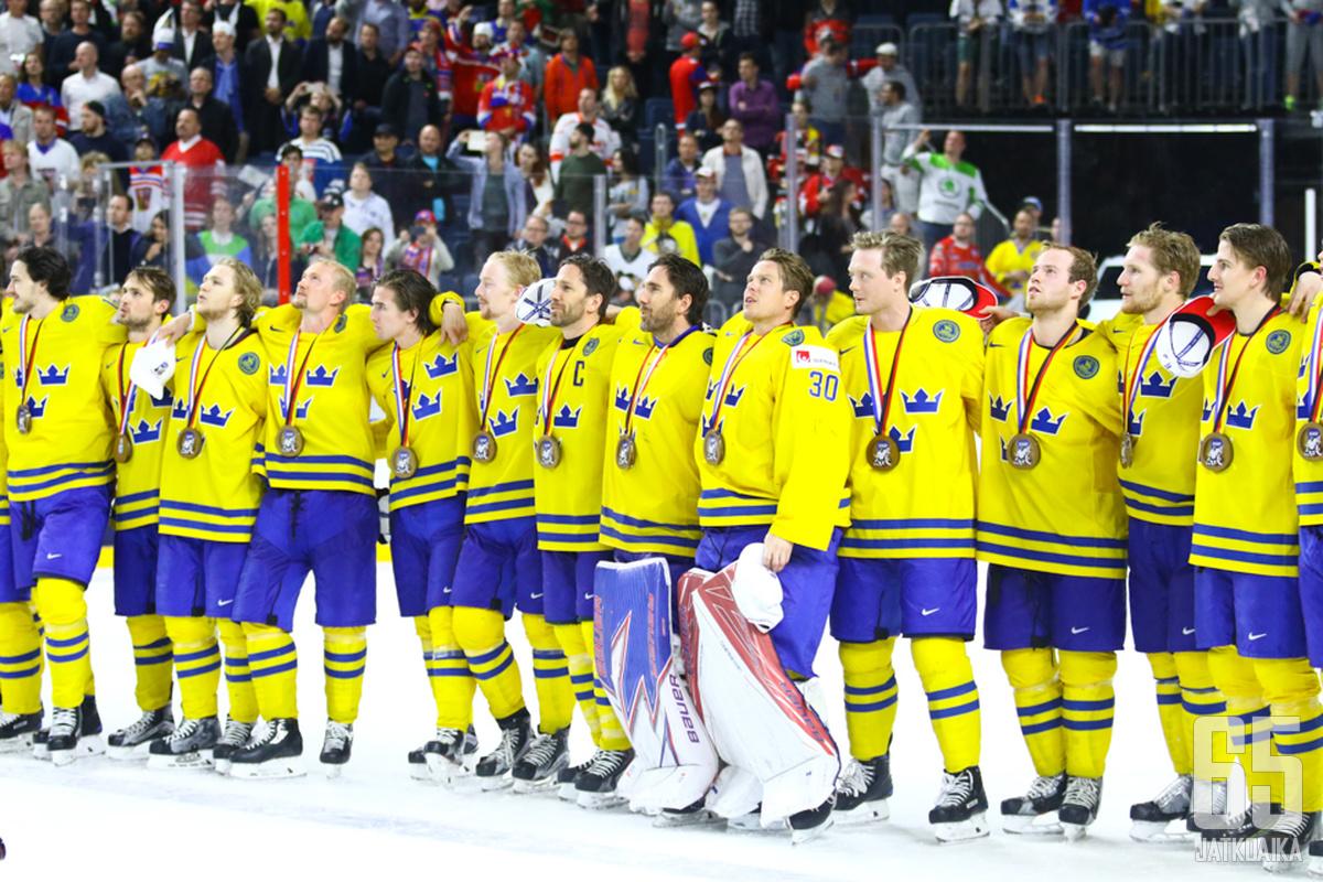 Ruotsi voitti maailmanmestaruuden kaatamalla Kanadan pitkän illan päätteeksi numeroin 2−1.