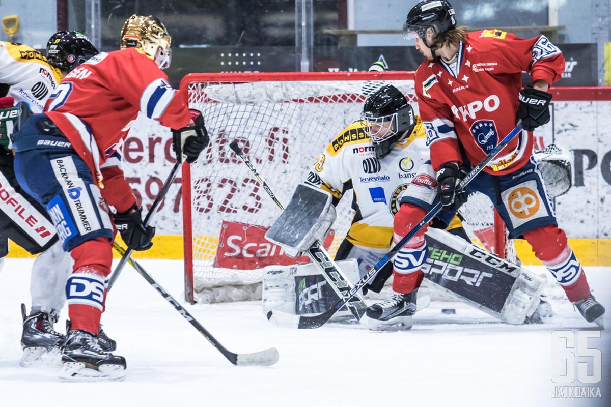 IPK oli vain suupala Hermekselle. Niklas Appelgren ohjaa tässä kotijoukkueen 1-0-johtoon.