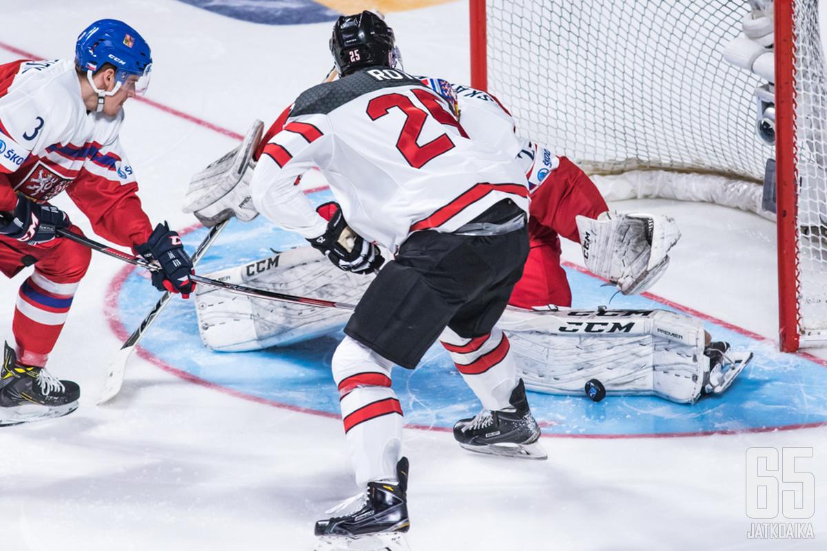 Nicolas Roy on tuttu näky myös Kanadan juniorimaajoukkueista.