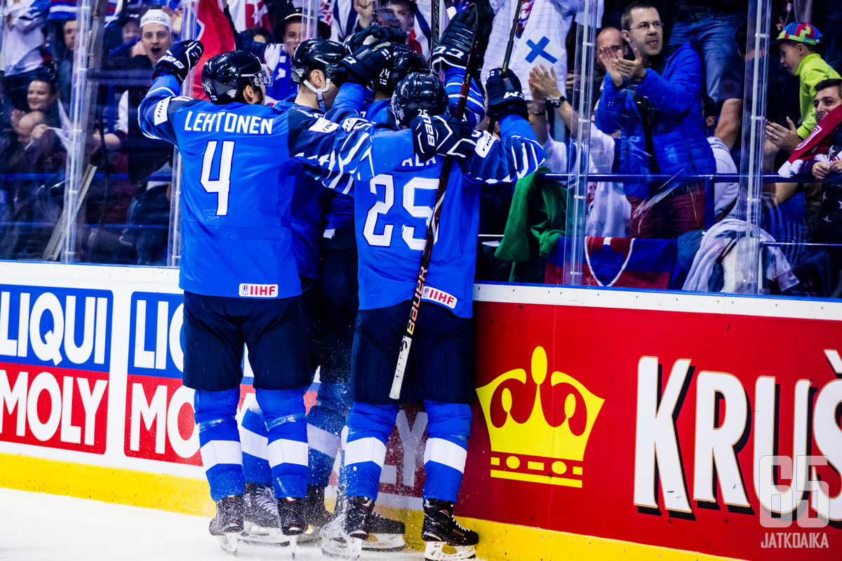 Suomen kentälliset jatkavat yhtä vaille samalla kaavalla kuin Kanada-ottelussa.