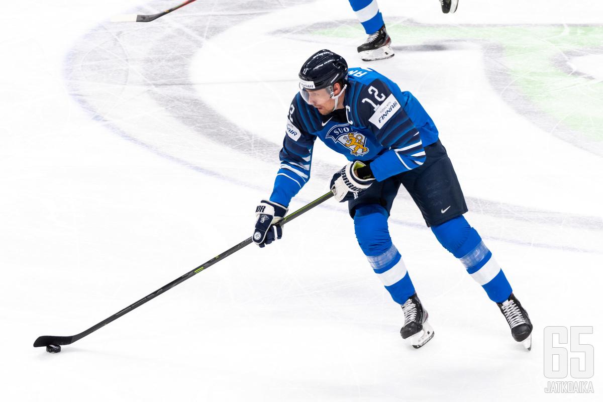 Marko Anttila kipparoi Leijonia kohti uutta mestaruutta.