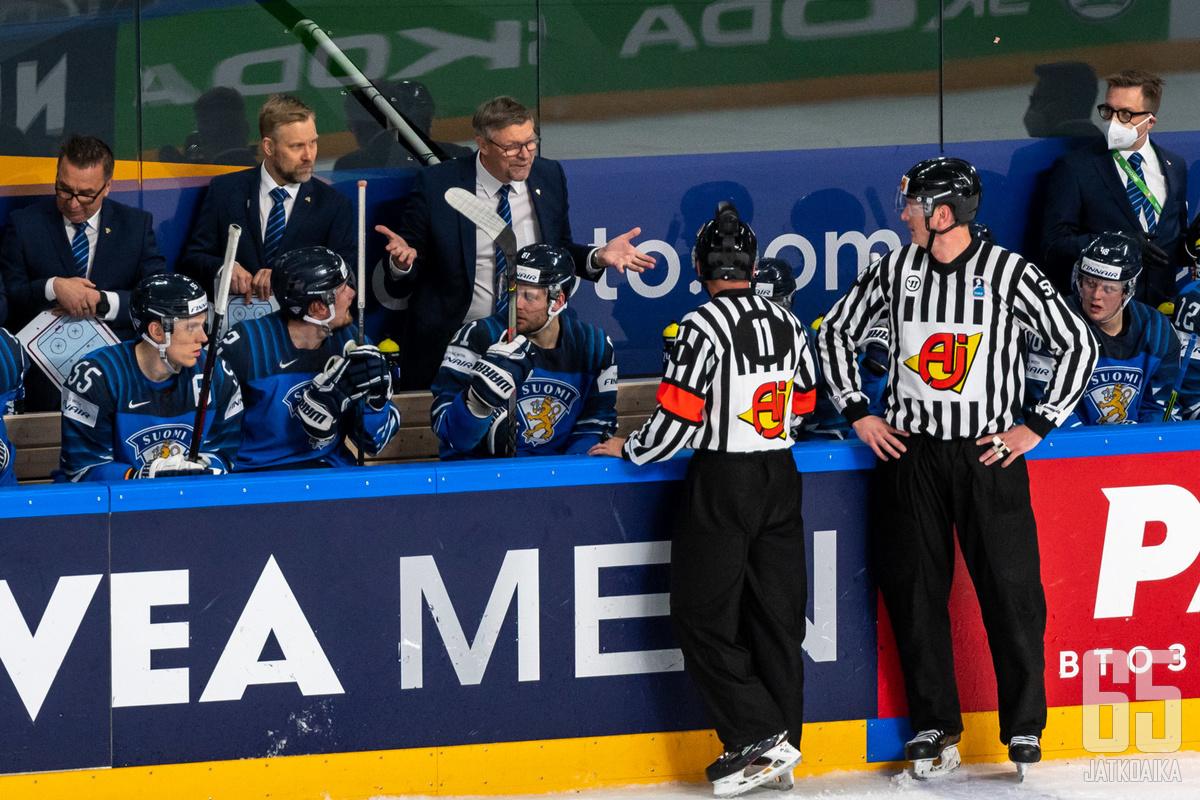 Jalonen luotsasi Leijonat hopealle 2021 MM-kisoissa.