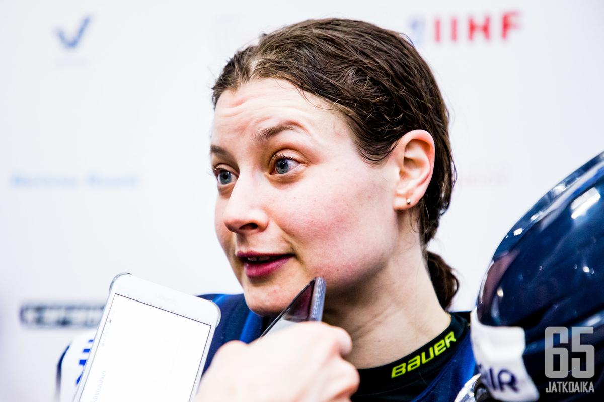 Jenni Hiirikoski tekee naisten MM-historiaa.
