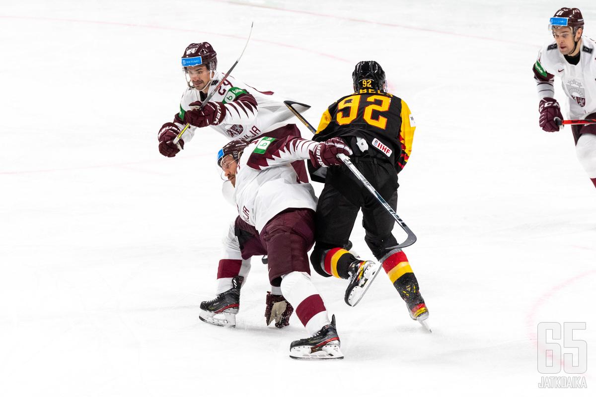 Latvia törmäsi ratkaisuottelussa Saksaan. Kisaisäntien mainiosti alkaneista kisoista jäi käteen vain katkeraa kalkkia.
