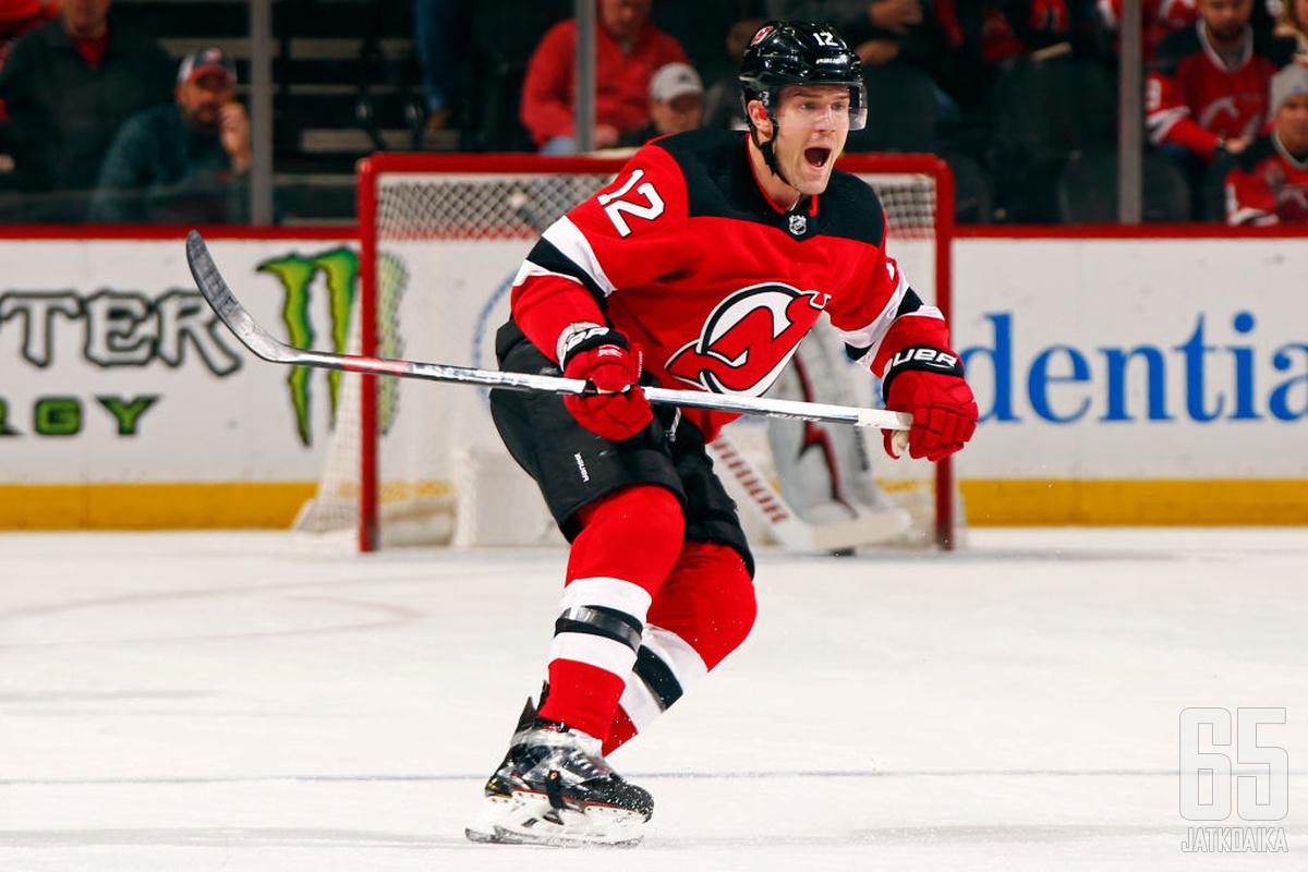 Lovejoy ehti edustaa Devilsiä 190 runkosarjaottelun verran.