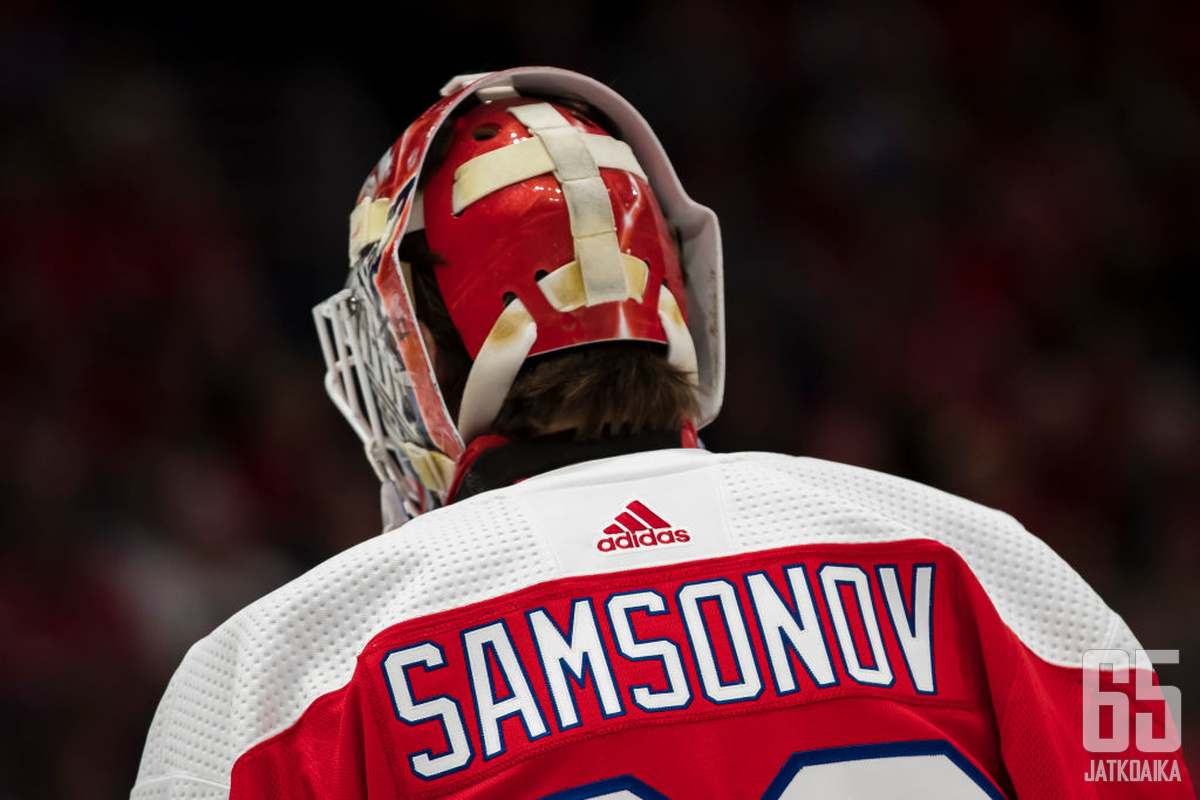 WASHINGTON, DC - FEBRUARY 02: Ilya Samsonov #30 of the Washington Capitals looks on during the first period of the game against the Pittsburgh Penguins at Capital One Arena on February 2, 2020 in Washington, DC. (Photo by Scott Taetsch/Getty Images)