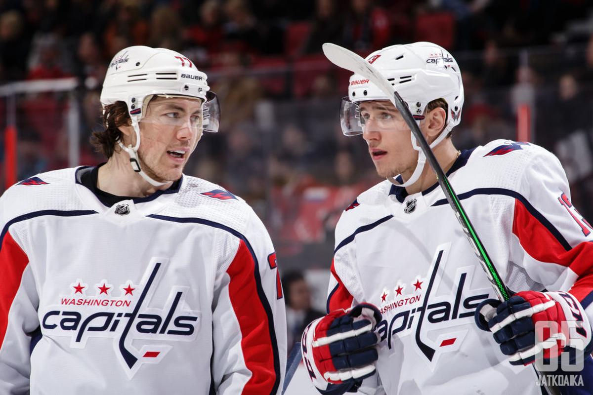 T.J. Oshie ja Jakub Vrána tuovat otteillaan Capitalsiin rutkasti leveyttä.