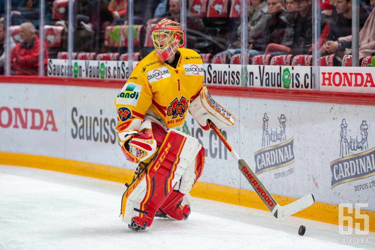 Hiller pelasi uransa viimeiset kaudet Sveitsissä.