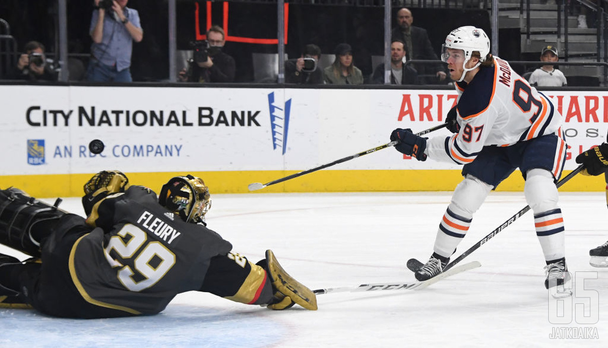 Marc-Andre Fleury venyi huipputorjuntoihin Oilersia vastaan. Jopa Connor McDavid veti vesiperän Las Vegasissa.