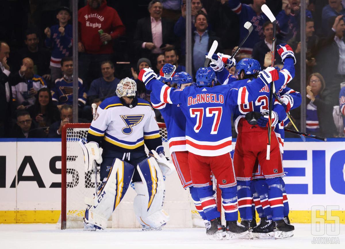Tony DeAngeloa ei enää nähdä NHL:ssä ainakaan Rangers-paidassa.