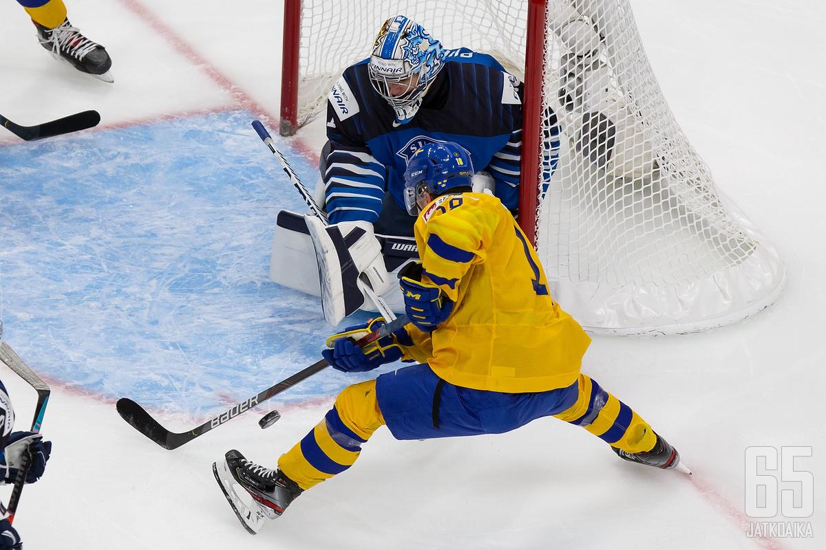 Raymond on hassutellut myös Suomen puolustusta.
