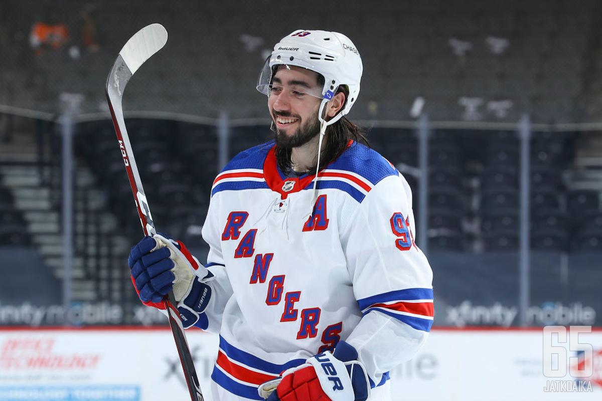 Mika Zibanejad on Rangersin hymyilevä peikko – ainakin Flyersin kannalta. Kahdessa jäsentenvälisessä ruotsalaisen lavasta on syntynyt pistemäärä 6+6.