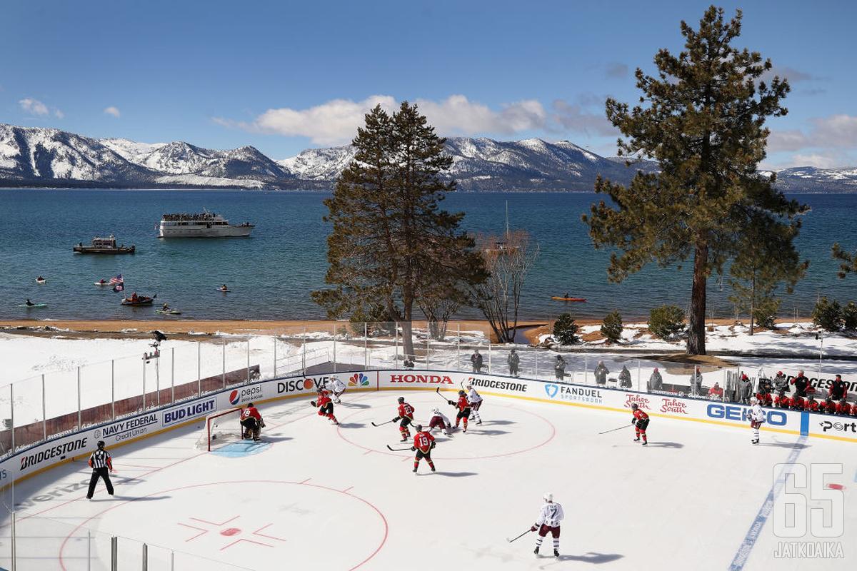 Tahoe-järven maisemat tarjosivat upeat puitteet huippujoukkueiden ottelulle.