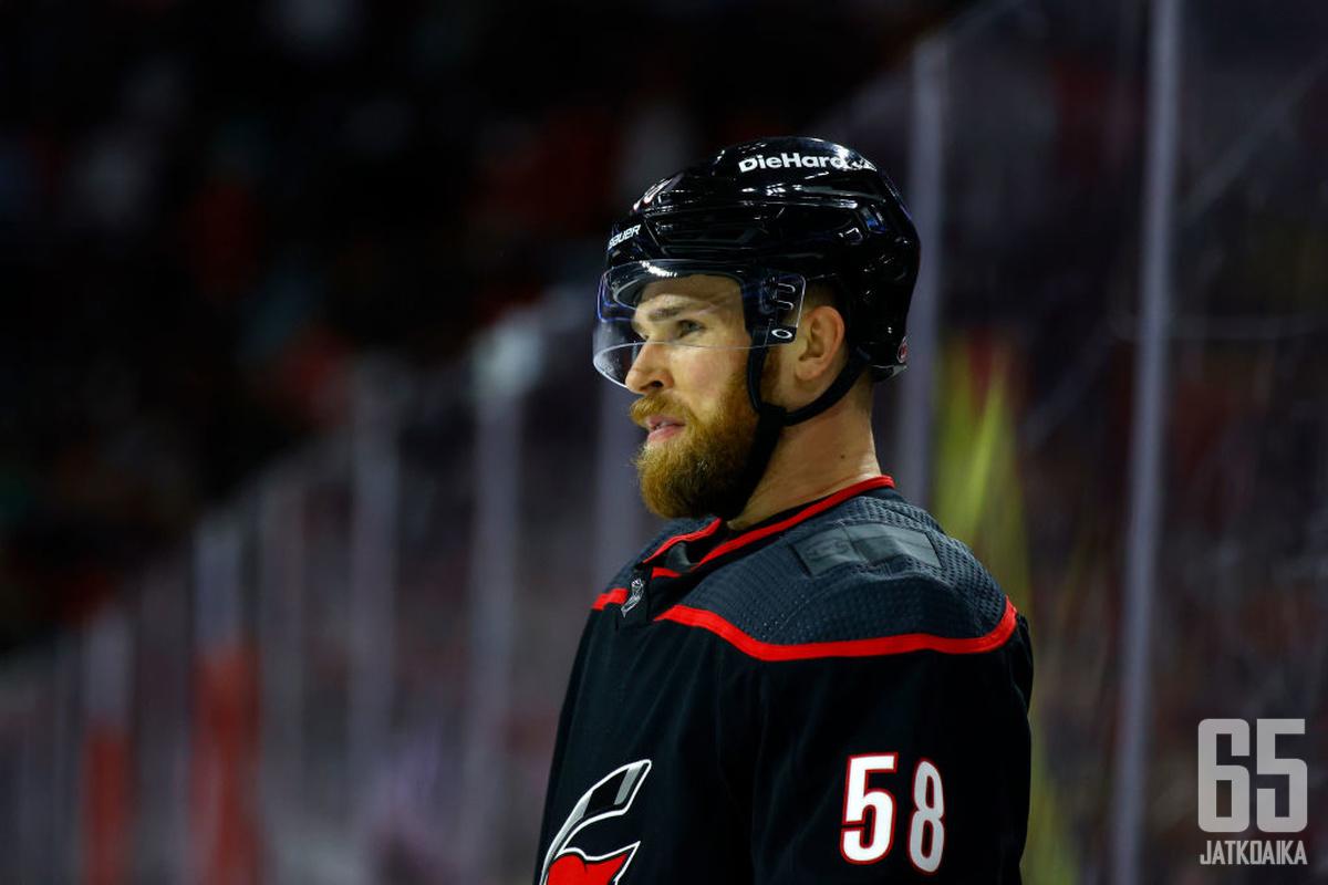 Jani Hakanpää pelaa NHL:ssä jatkossakin.