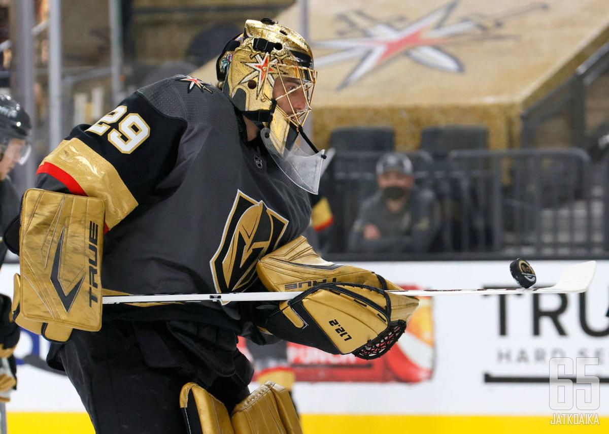 Marc-André Fleury palkittiin tänä vuonna NHL:n parhaana maalivahtina.