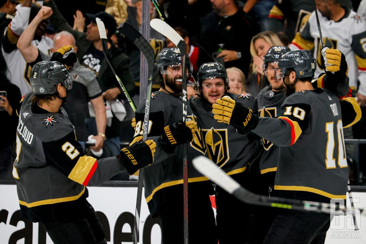 Las Vegasin kotiyleisö piti näkemästään. Golden Knights otti hallitun peliesityksen jälkeen komean voiton ensimmäisessä semifinaalissa.