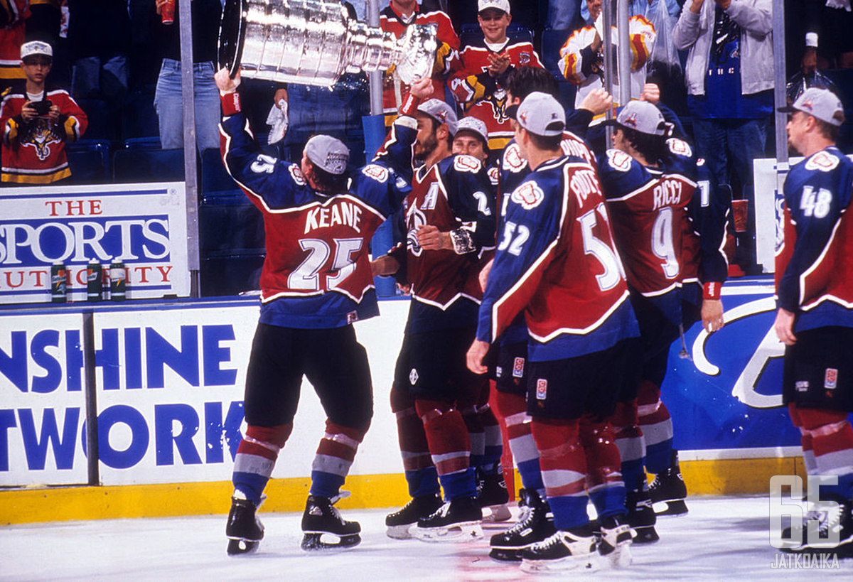MIAMI, FL - JUNE 10: Mike Keane #25 of the Colorado Avalanche skates on the ice with the Stanley Cup after the Avalanche defeated the Florida Panthers in Game 4 of the 1996 Stanley Cup Finals on June 10, 1996 at the Miami Arena in Miami, Florida. (Photo b
