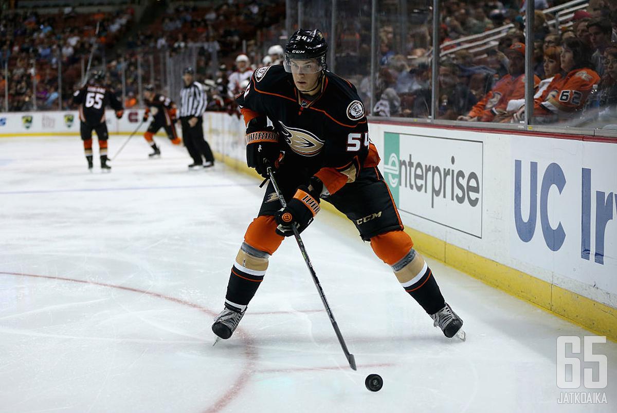 O'Brien on päässyt pukemaan Ducksin paitaan harjoitusotteluissa, mutta virallisia NHL-otteluita tilille ei ole kertynyt.