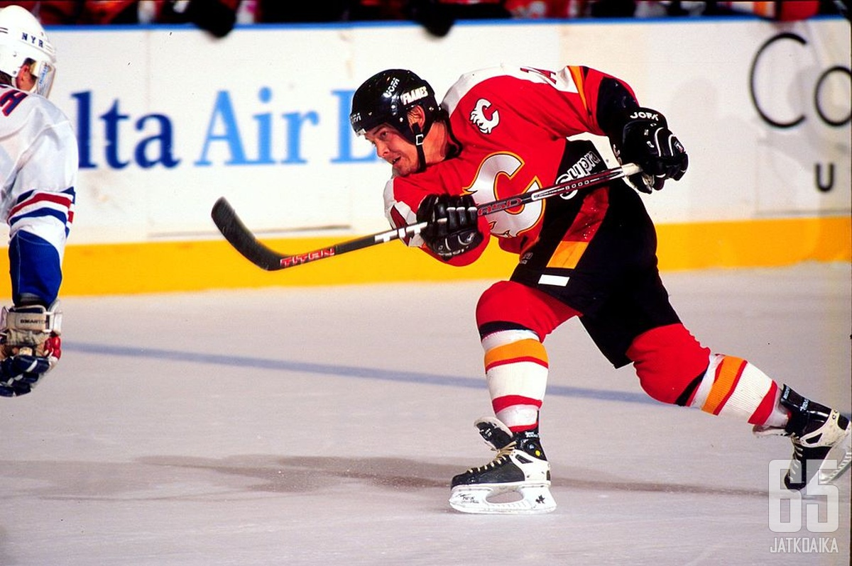 Theo Fleuryn NHL:stä tuttu kanuuna teki tuhoja myös Tapparan paidassa.