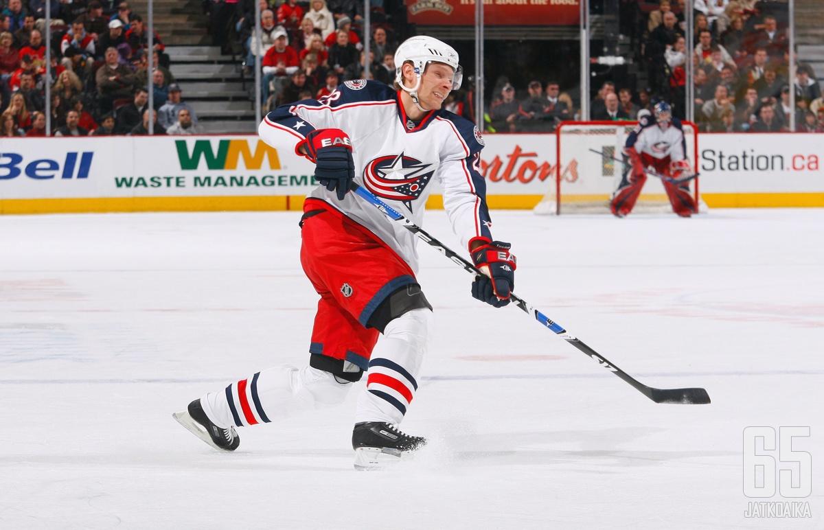 Tärnström pelasi viimeiset NHL pelinsä sinitakeissa.