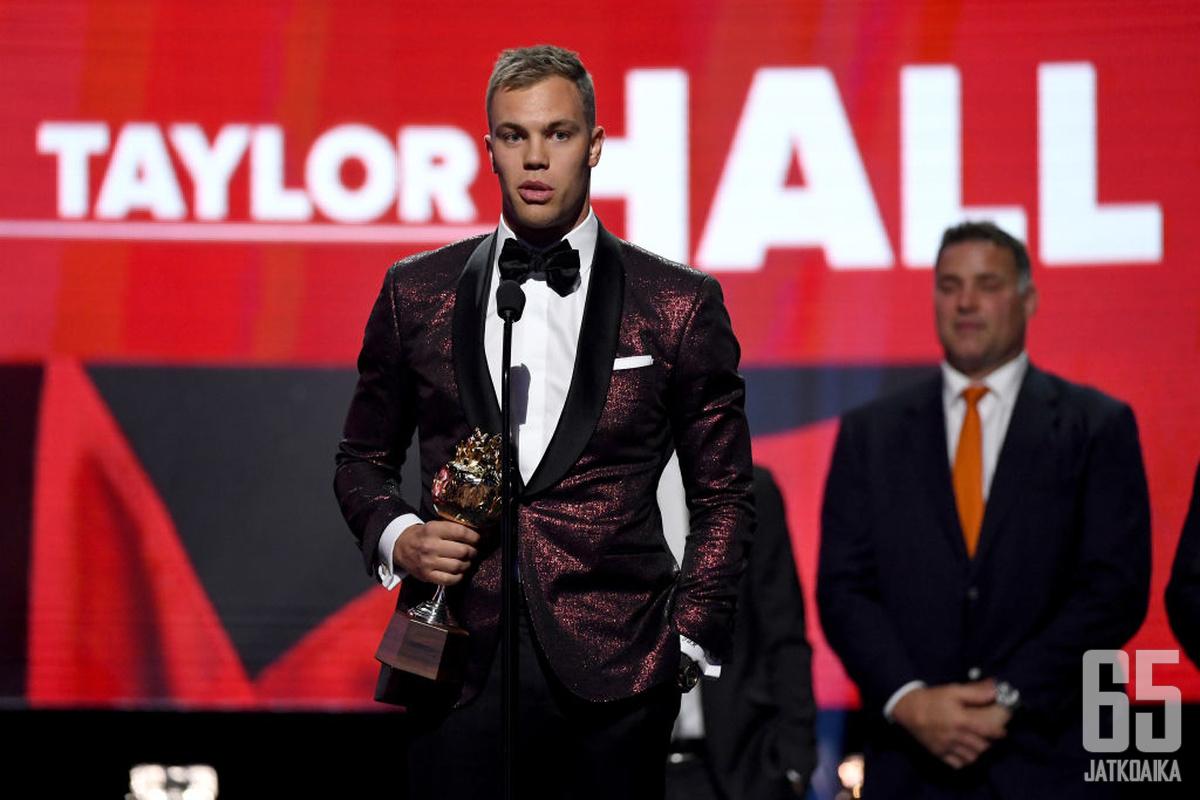 Taylor Hall voitti vuonna 2018 Hart-palkinnon.
