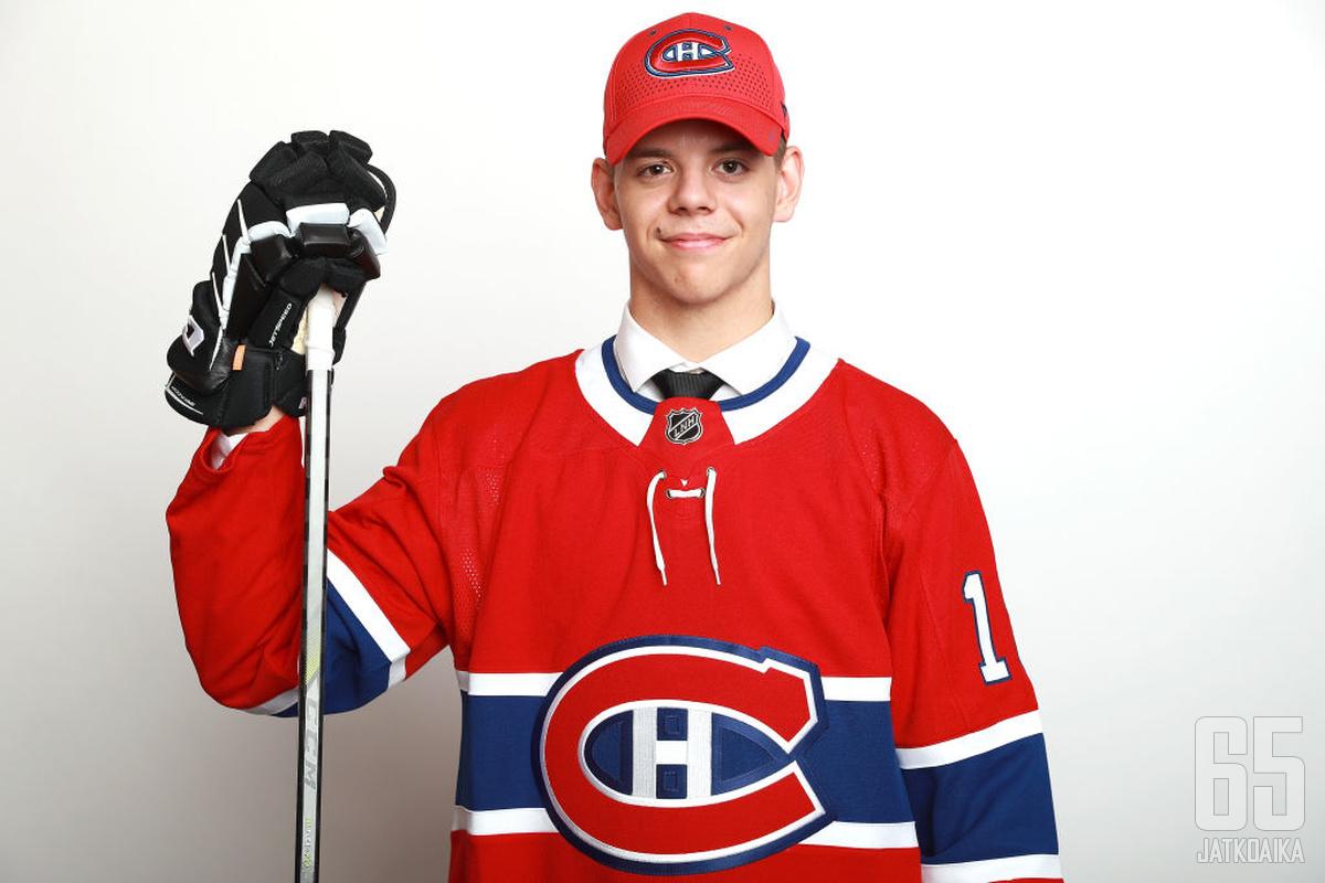 Toistaiseksi on epävarmaa, pelaako varaustilaisuudessa kolmantena valittu Kotkaniemi ensi kaudella Canadiensissa.