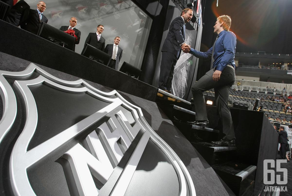 NHL:n varaustilaisuus on monen nuoren kiekkoilijan uran kohokohtia.