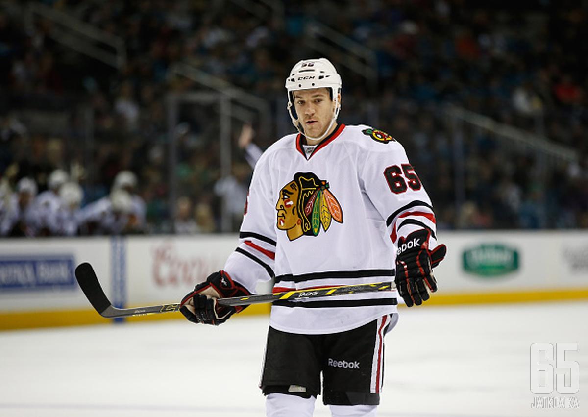 Andrew Shaw siirtyy Montreal Canadiensiin.