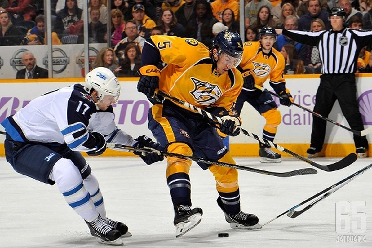 Del Zotto siirtyi Rangers-paidasta Nashvillen kautta Flyersiin.