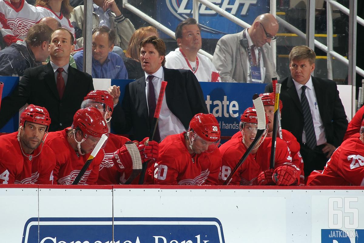 Joakim Andersson edusti NHL:ssä Detroitia.