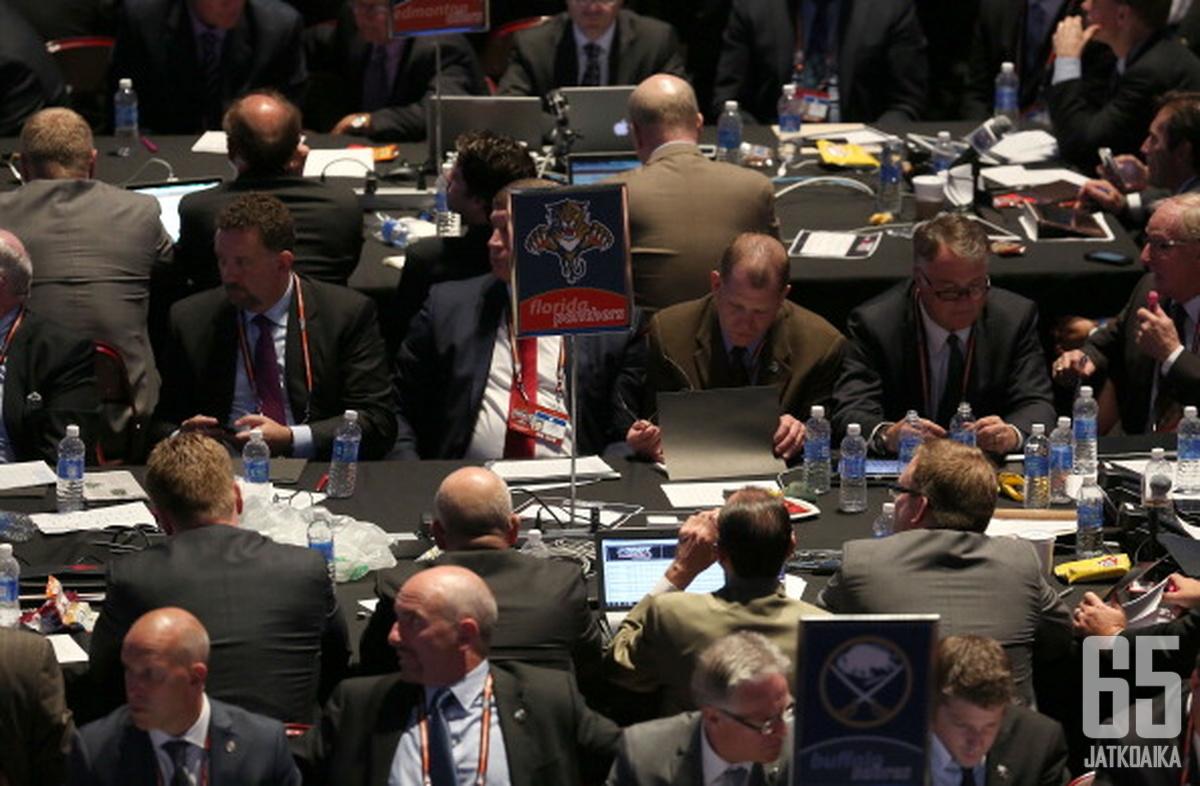 Tänä vuonna Florida Panthersin varauspöydässä istuu myös Josh Weissbock.