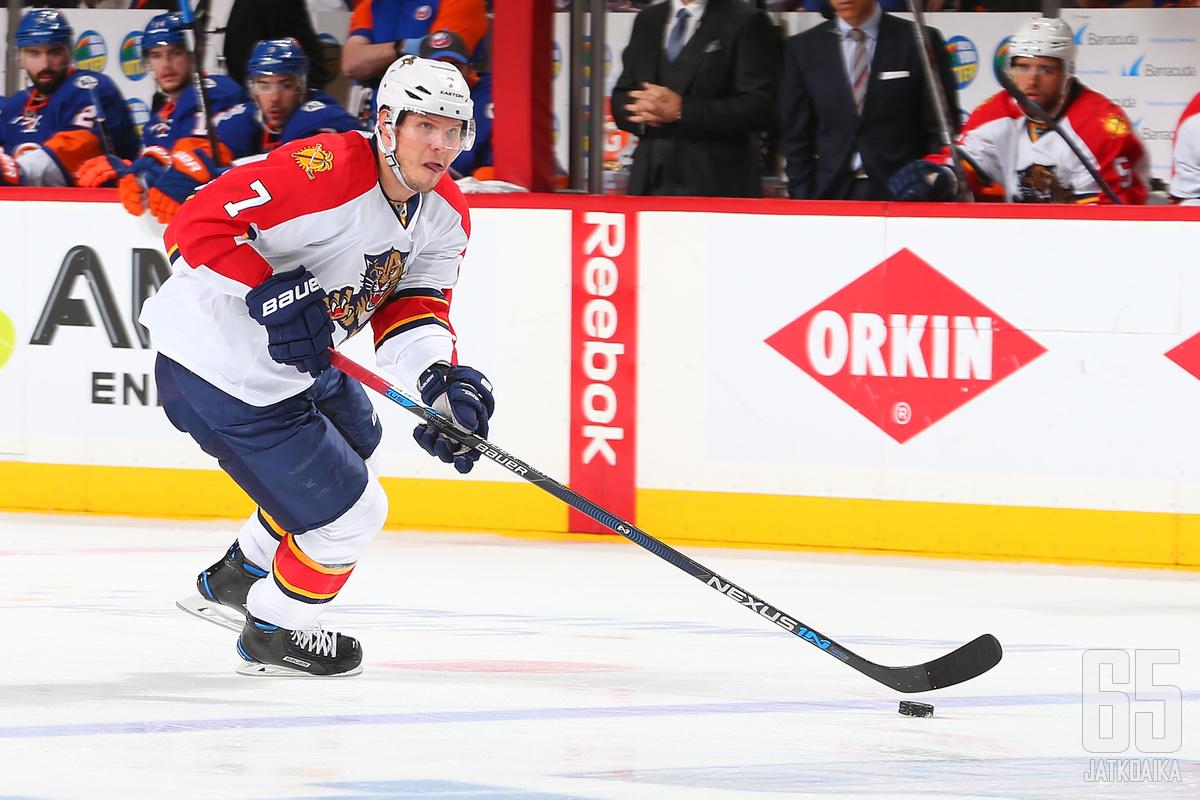 Dmitri Kulikov siirtyy Buffalo Sabresin takalinjoille.