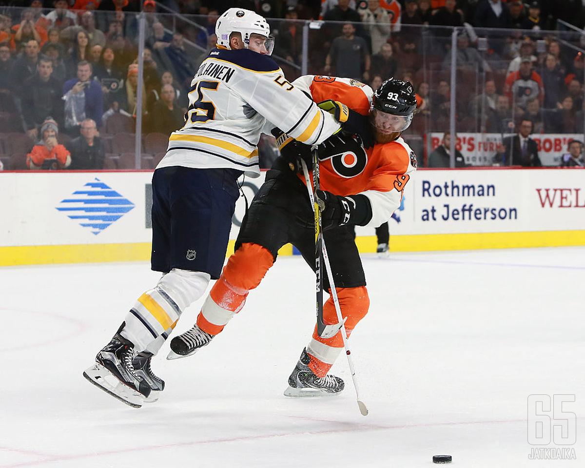 Buffalo Sabresin parrakas Rasmus Ristolainen pelaa vahvaa alkukautta.