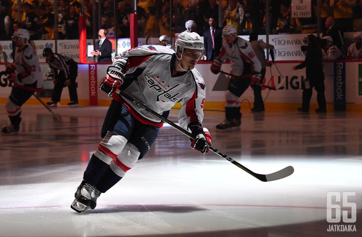 Dmitri Orlov luutii Capitalsin takalinjoilla seuraavat kuusi kautta.