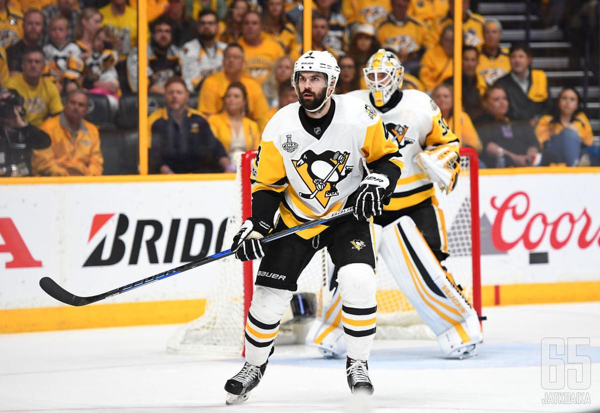 Schultz otti ison roolin Penguins-puolustuksessa.