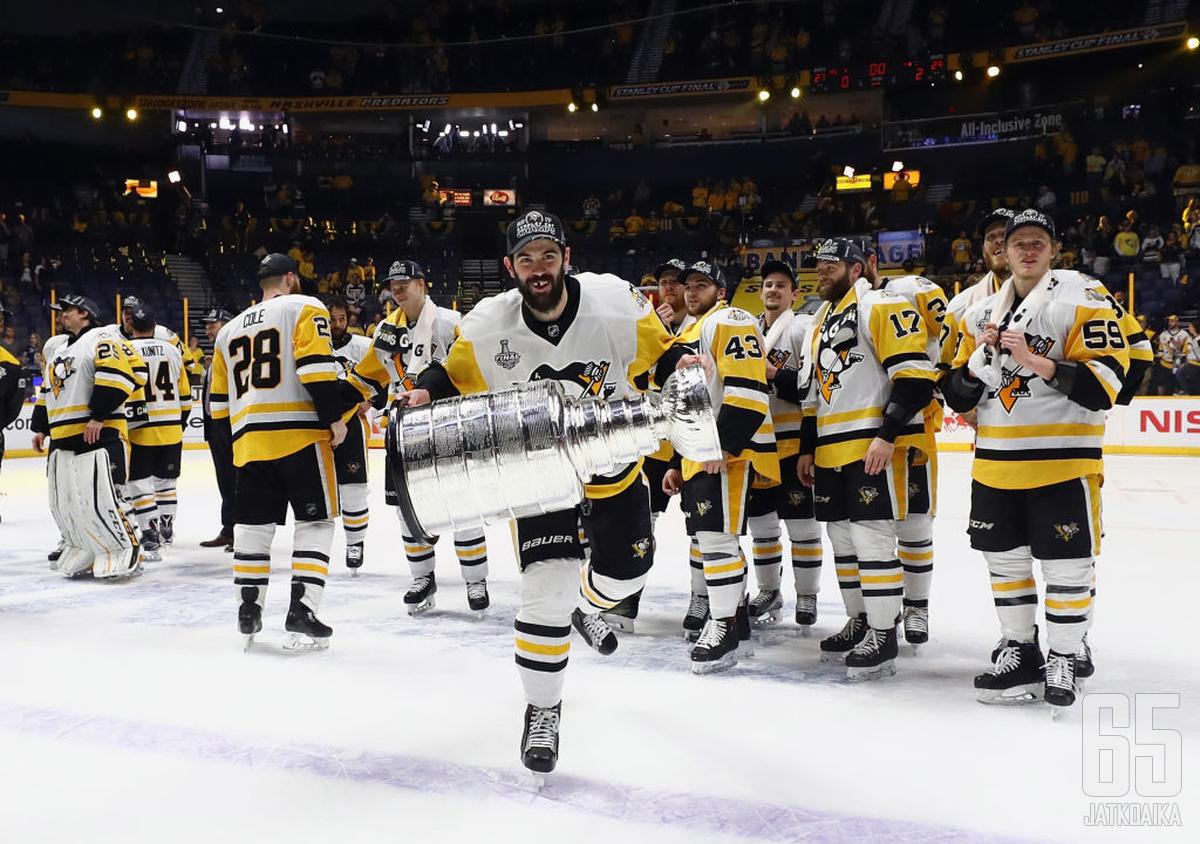 Schultz on päässyt kahtena viime keväänä nostamaan Stanley Cupia.
