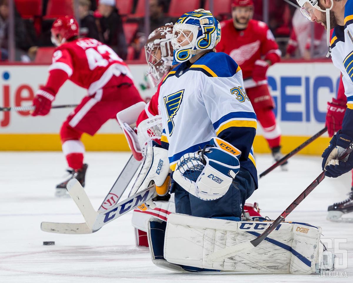 Ville Husso on päässyt NHL-otteluissa jäälle vain alkulämmittelyssä.