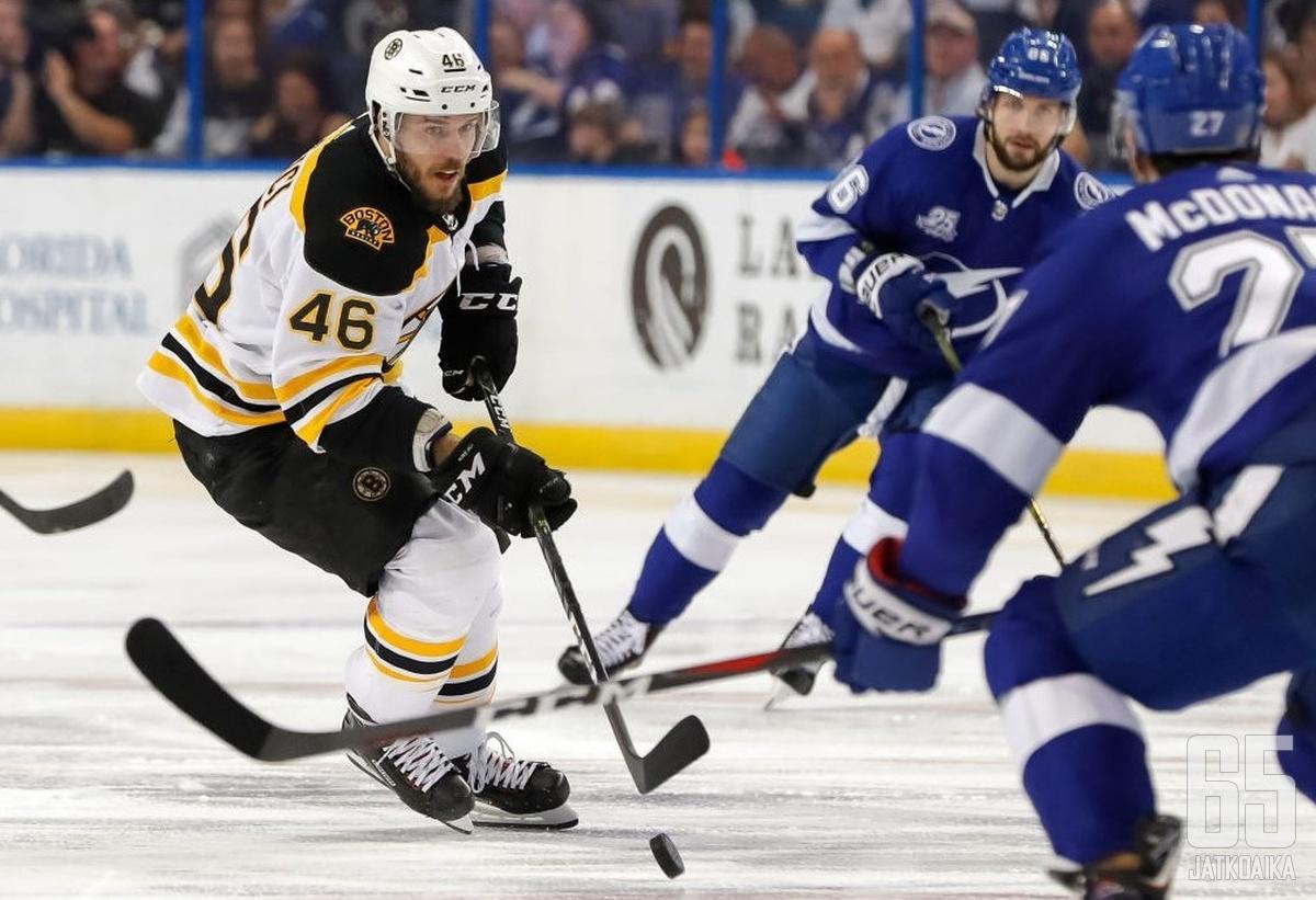 Boston Bruinsin David Krejci esiintyi ensimmäisellä kierroksella edukseen.