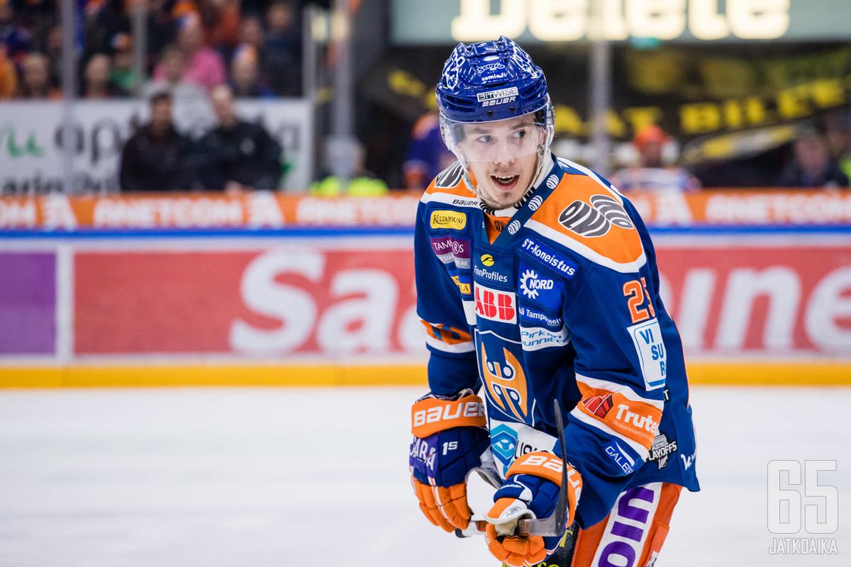 Henrik Haapala on Liigassa edustanut vain Tapparaa.